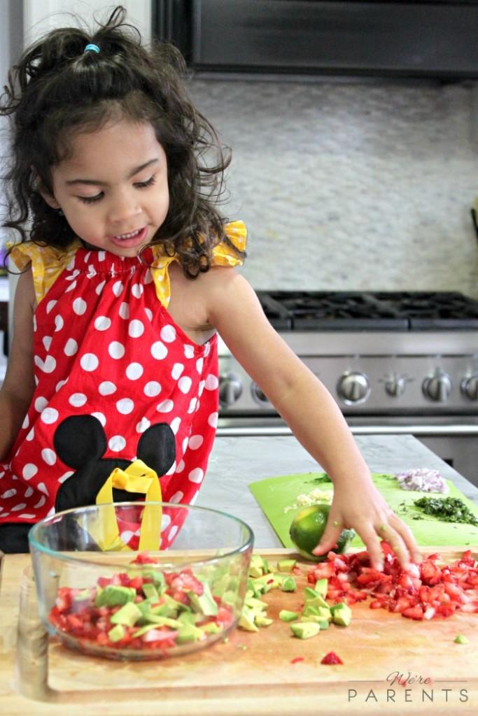 mini chef mondays how to make strawberry and avocado salsa