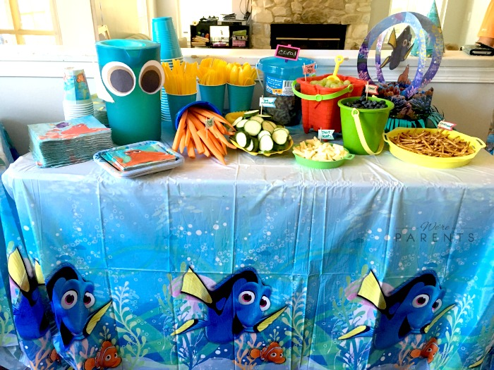 finding dory party tablescape