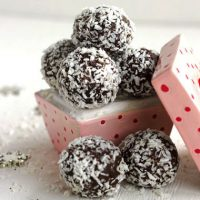 Chocolate Truffle Recipe with Coconut {Healthy}