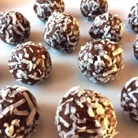 Healthy Coconut Date Truffles – Sugar-Free, Gluten-Free, Raw, Vegan Energy Balls!